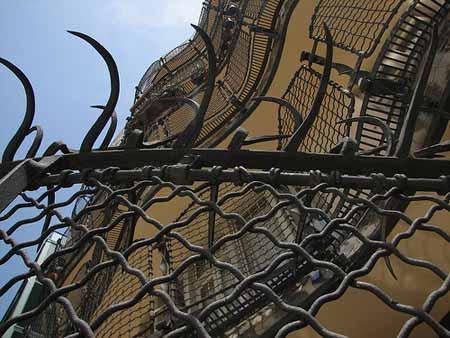 Detalhe da fachada dos fundos da Casa Batlló, de Gaudi, em Barcelona
