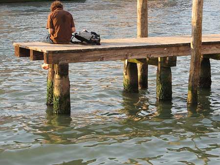 Na beira do rio em Veneza