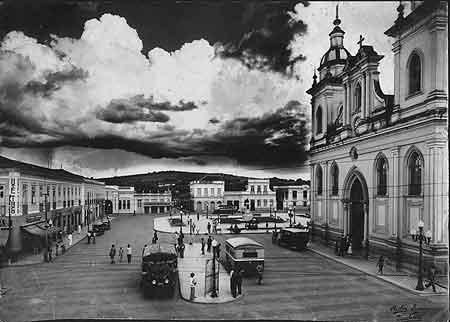 Praça Dom Epaminondas, Taubaté