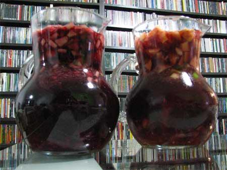 Duas jarras de sangria / Foto: Marcelo Costa